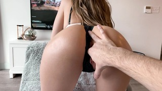 Apex Sex! University Sweetie Gives Messy Oral + Recieves Creampie Play Xbox