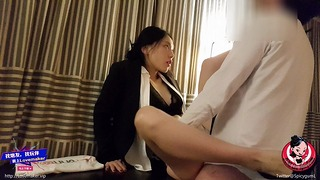 June Liu Spicygum – Vietnamese Manager Punishes Her Employee for Being Late